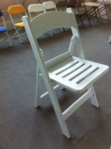 White Wedding Resin Folding Chair/Wimbledon Resin Chair pictures & photos