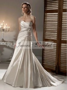 2011 Wedding Gown (SW0024)