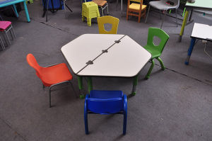 Popular Kid Children Adjustable Desk for 8 Kids pictures & photos