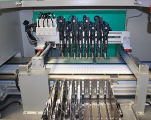 High Quality SMD Pick and Place Machine for LED Industry pictures & photos