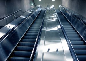 30 35 Degree Passenger Escalator, Moving Walk pictures & photos