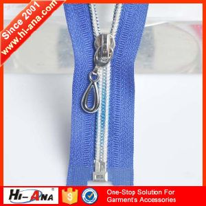 Familiar in OEM and ODM Custom Nylon Water Resistant Zipper pictures & photos