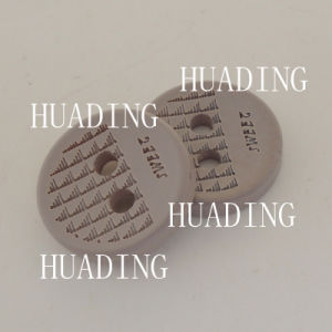 4 Holes Gray Wood Sewing Buttons for Garment (HD1147-15) pictures & photos