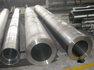 SA355 Lf2 Rolled Steel Seamless Pipe pictures & photos