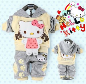 2015 Winter Hello Kitty Baby Clothes Two-Piece Children Three Color Hoodies Suits 100% Cotton Soft Healthy Fabric Lovely Cartoon Suits pictures & photos