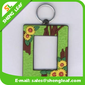 Supply Custom Photo Frame Rubber Soft PVC Keychain (SLF-KC086) pictures & photos
