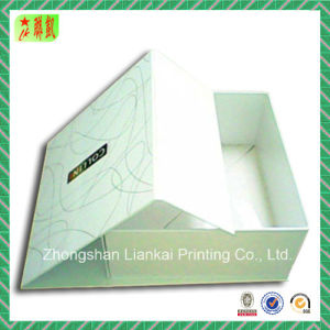 Magnet Closure Cardboard Packaging Gift Paper Box with Lid pictures & photos