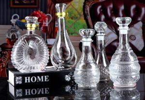 High Quality Professional Manufacturer Glass Wine Bottle pictures & photos
