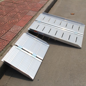 Lightweight Portable Wheelchair Ramp Aluminum Ramp pictures & photos