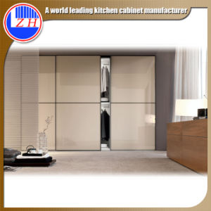 Modern Sliding Doors Wardrobe (ZHUV) pictures & photos