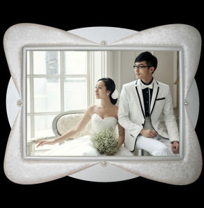 Luxury Big Leather Wedding Photo Frame pictures & photos