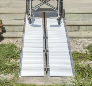 High Quality Aluminum Multi-Folded Wheelchair Ramp pictures & photos