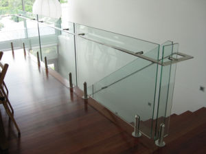 Residential Solid Wood Step Staircase Frameless Glass Balustrade pictures & photos