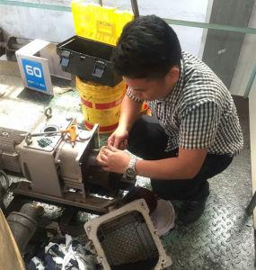 Anti-Explosion Motor Dry Screw Vacuum Pump (RSE180) pictures & photos