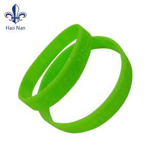 Eco-Friendly Economical Bright-Colored Silicone Bracelet pictures & photos