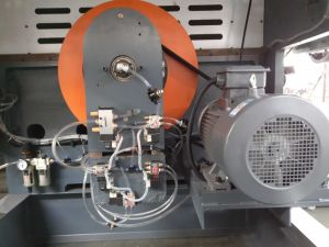 Full Automatic Die-Cutting and Creasing Machine (QMY1500) pictures & photos