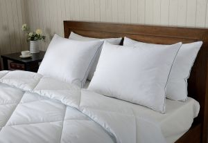Wholesale Feather Down Pillows, Triple Compartment, 600 Fill Power Peach Skin Fabric Bed Pillow, King pictures & photos