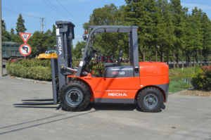 Mini 5 Ton Forklift Truck Container Mast pictures & photos