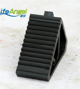 Road Safety Black Rubber Parking Wheel Chocks pictures & photos