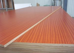 Good Quality Fiberboard Core Melamine Plywood in Very Low Price pictures & photos