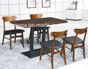 Luxury 4 Person Wooden Tables and Chairs for Restaurant (FOH-BCA16) pictures & photos