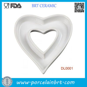 Home Decotation Heart Shape Ceramic Dish Plate pictures & photos
