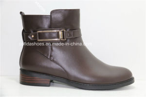 Casual Comfort Low Heel Women Leather Ankle Boots pictures & photos