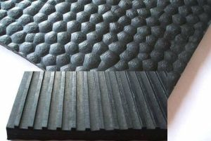 Round Point Surface Natural Rubber Cow Matting pictures & photos