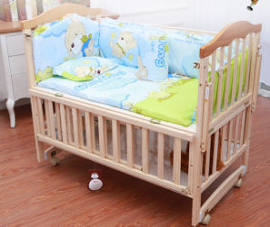 Solid A Grade Pine Wood Baby Bed pictures & photos