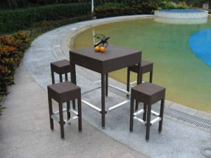 PE Rattan Bar Table and Stools Outdoor Bar Furniture pictures & photos