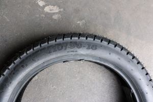 ISO9001 Certificated Natural Rubber Motorcycle Tyre (110/90-16) pictures & photos