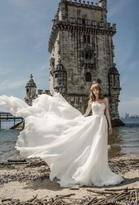 Empire Bridal Dress Lace Tulle Bridal Party Gowns A-Line Wedding Dress Ld11523 pictures & photos