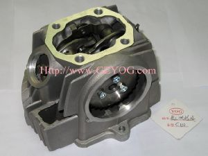 Yog Motorcycle Spare Parts Engine Cub Cylinder Head 70 90 100 110cc Top Complete pictures & photos