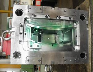 Precision Plastic Injection Mold pictures & photos