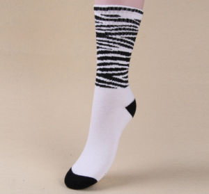 Fashion Cartoon 100% Cotton Pile Loop High Quality Factory OEM Socks pictures & photos