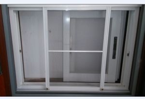 Powder White Aluminium Screen Window for Home Furniture (horizontal slide) pictures & photos