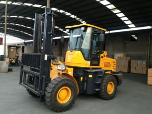 2.8 Ton Rough Terrain Diesel Forklift (YC28) pictures & photos