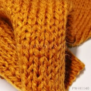Chunky Plain Yarn with Wool and Alpaca pictures & photos