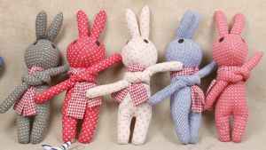 Handmade Cloth Small Leisure Rabbit Toys pictures & photos