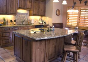 High Quality Solid Wood Kitchen Cabinet (KC13404)
