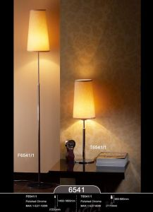 Hot Sell Chrome Livingroom Table Lamp with Lampshade pictures & photos