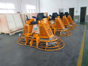 46′′ Hydraulic Ride-on Power Trowel with Joystick Drive and Steering Gyp-1046 pictures & photos