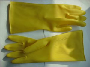 32.5cm Long Cuff Latex Cleaning Gloves/ Rubber Household Gloves with Cotton Lining Inside/ Keep Warm Rubber Gloves pictures & photos