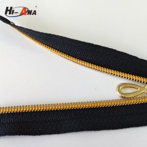 High Productivity Ensures Timely Delivery Custom Zipper Roll pictures & photos