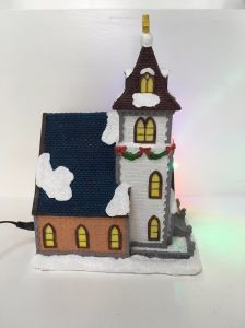 Facotry Supplier Hot Selling Resin Christmas Village Miniature House pictures & photos