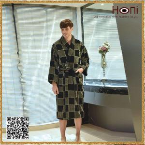 D-019 Top Quality Terry 100 Cotton Men Bathrobe pictures & photos