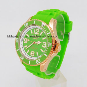 Waterproof Sports Silicone Wrist Watch with Japan Quartz Movement pictures & photos