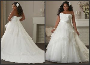 Strapless Bridal Gowns Lace Customized Plus Size Wedding Dress M208 pictures & photos