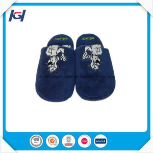 Custom Embroidery Soft Warm Mens Velvet Bedroom Slippers pictures & photos