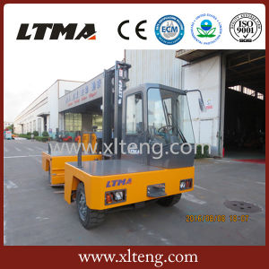 Small 3 Ton Diesel Side Loader Forklift Truck pictures & photos